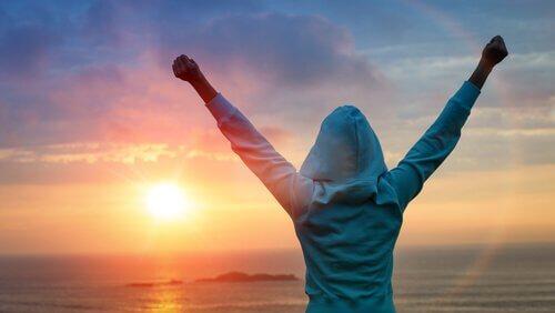 sinnikkyys auttaa naista kohtaamaan uuden päivän
