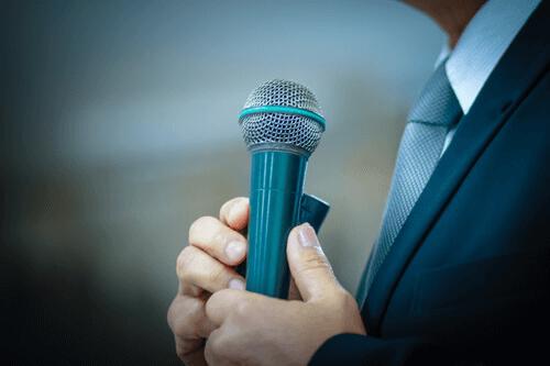 9 vinkkiä puheen pitämiseen