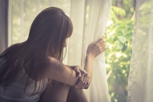 Mikä on agorafobia? Oireet ja hoito