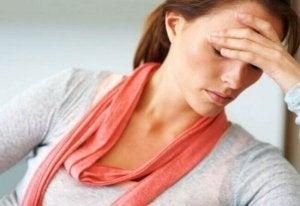väsynyt ja heikko nainen