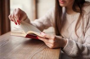 kirjat voivat auttaa sydänsuruissa