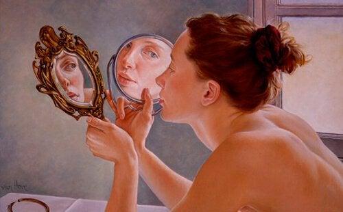naisella hyvä itsetunto vai onko narsisti