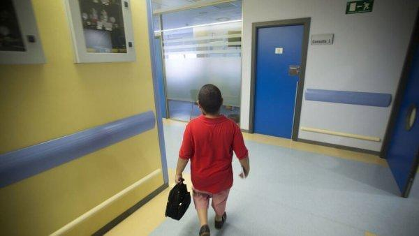 Rubén sairaalan käytävällä