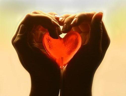sydän käsissä