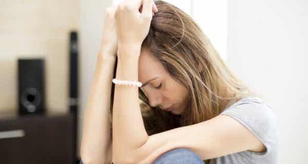 Krooninen väsymysoireyhtymä – oireet, syyt ja hoito