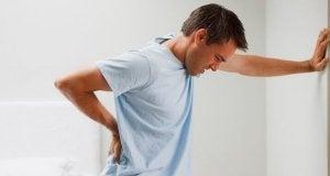 krooninen väsymysoireyhtymä aiheuttaa myös kipua