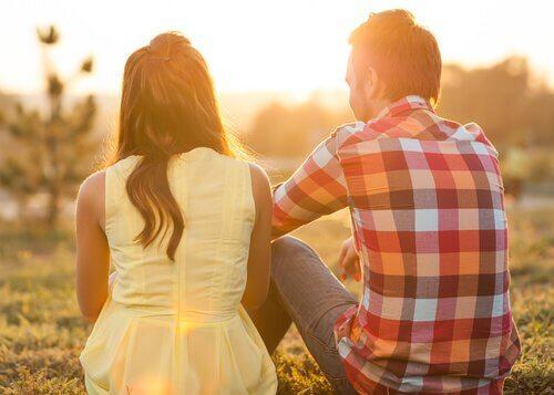 tunteiden ilmaiseminen parisuhteessa