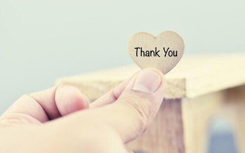 sydämessä lukee kiitos - sanojen voima