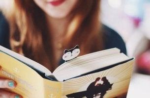 mitä lukeminen tekee aivoillesi