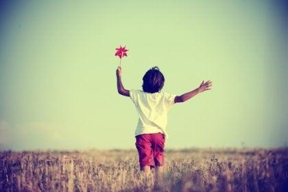 moderni kasvatus ei anna lapsen olla vapaa ja tehdä virheitä