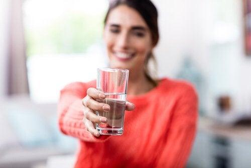 Onko lasi puoliksi täynnä vai puoliksi tyhjä? Sinä päätät
