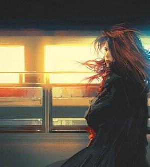 nainen myöhästyi junasta