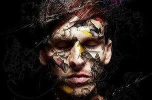 miehellä maalauksia kasvoissa