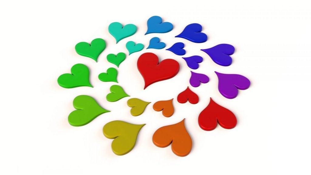 erivärisiä sydämiä