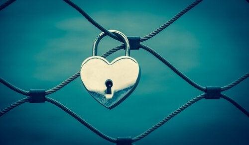Miksi ryhdymme emotionaalisesti riippuvaiseen suhteeseen?