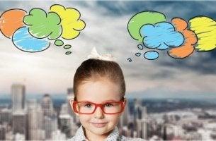 lapsen värikkäät ajatukset