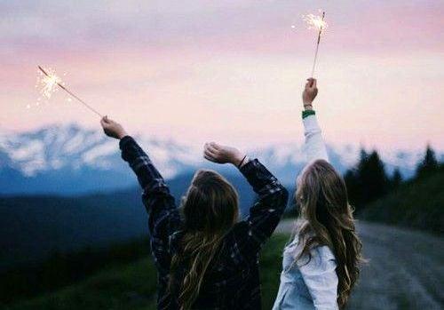 tytöt ja tähdisadetikut