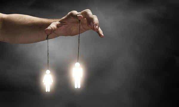 7 tapaa, joilla ihmiset voivat manipuloida meitä tietämättämme