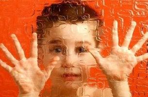 lapsuusajan skitsofrenia