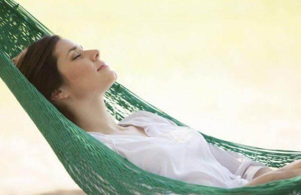 lopeta liiallinen murehtiminen ja makaa riippumatossa