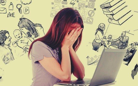 naisella on stressistä johtuva muistinmenetys