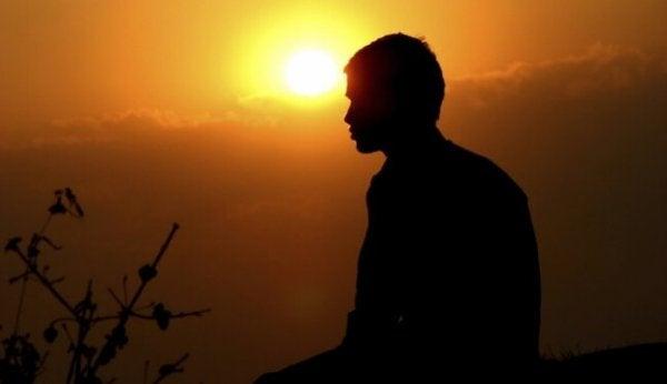 mies ja aurinko