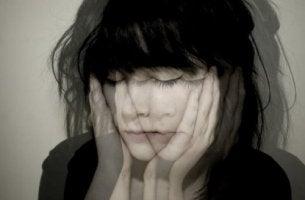 naisen emotionaalinen välinpitämättömyys