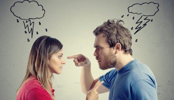 myrkyllinen käyttäytyminen parisuhteessa