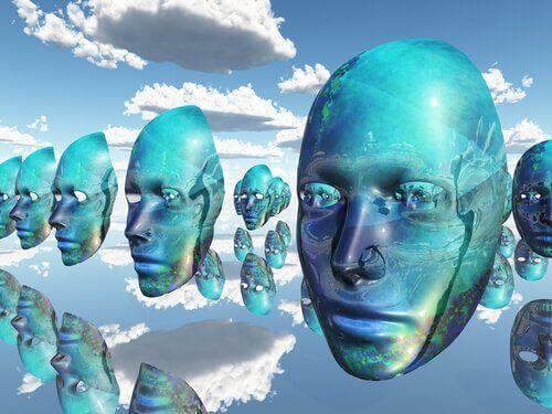 ilmassa leijuvat naamarit