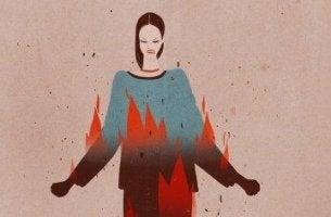 nainen on tulessa
