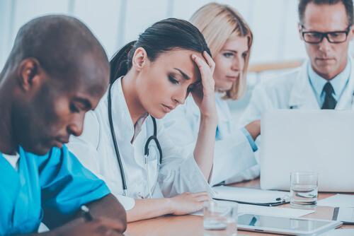 terveydenhoitoalan ammattilaisten empatiauupumus