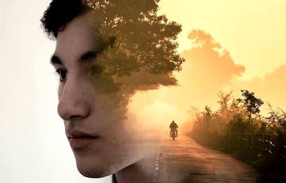puolet pojan päästä ja ajatus moottoripyörästä