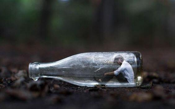 mies pullon sisässä