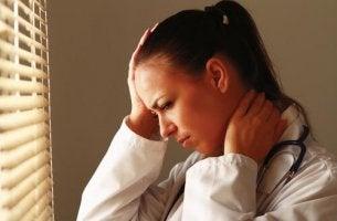 lääkärillä päänsärkyä
