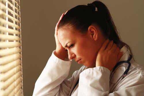 Empatiauupumus terveydenhuoltoalan ammattilaisissa
