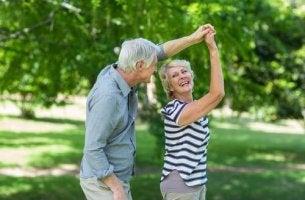 tanssiminen ikääntyneenä