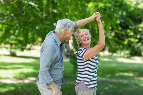 Tanssiminen voi taistella aivojen ikääntymistä vastaan