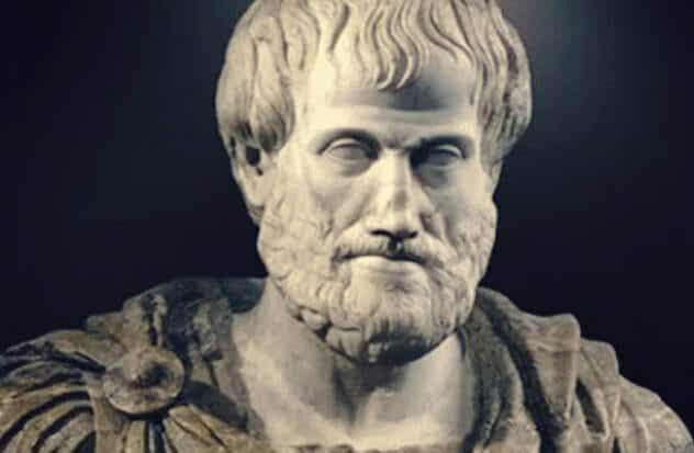 Aristoteles-kompleksi: kun ajattelet olevasi parempi kuin muut