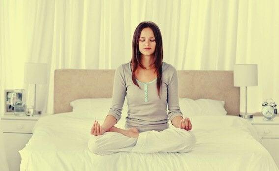 4 rentoutustekniikkaa, jotka auttavat nukkumaan paremmin