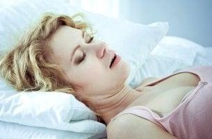 naisella uniapnea
