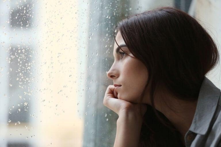 masentunut nainen