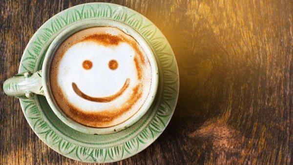 hymyilevä kahvi