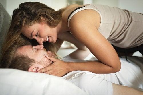 Seksin harrastaminen useammin on hyväksi parisuhteelle