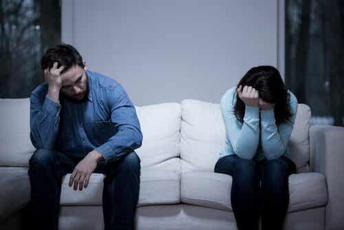 Miksi jotkut onnettomat parit pysyvät yhdessä?