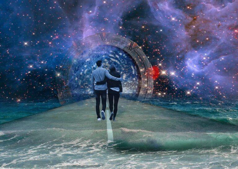 pariskunta kävelee maailmankaikkeudessa