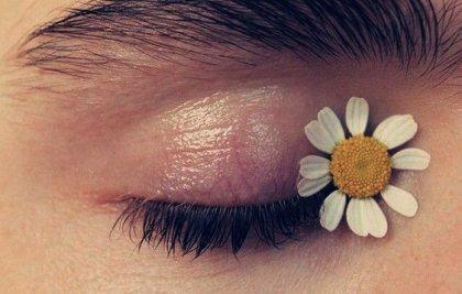 kukka silmäkulmassa