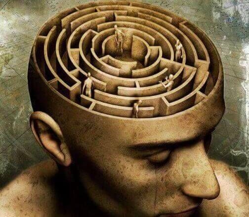 miehen mieli on labyrintti