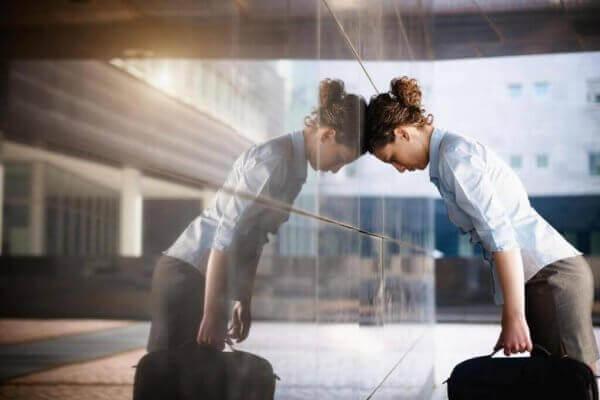 naisella on kova stressi