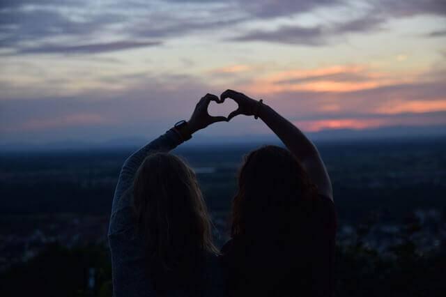 Rakkaus tulee ja menee, mutta oikea ystävyys kestää ikuisesti