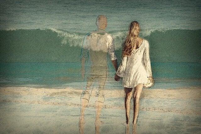 nainen ja haamumies rannalla